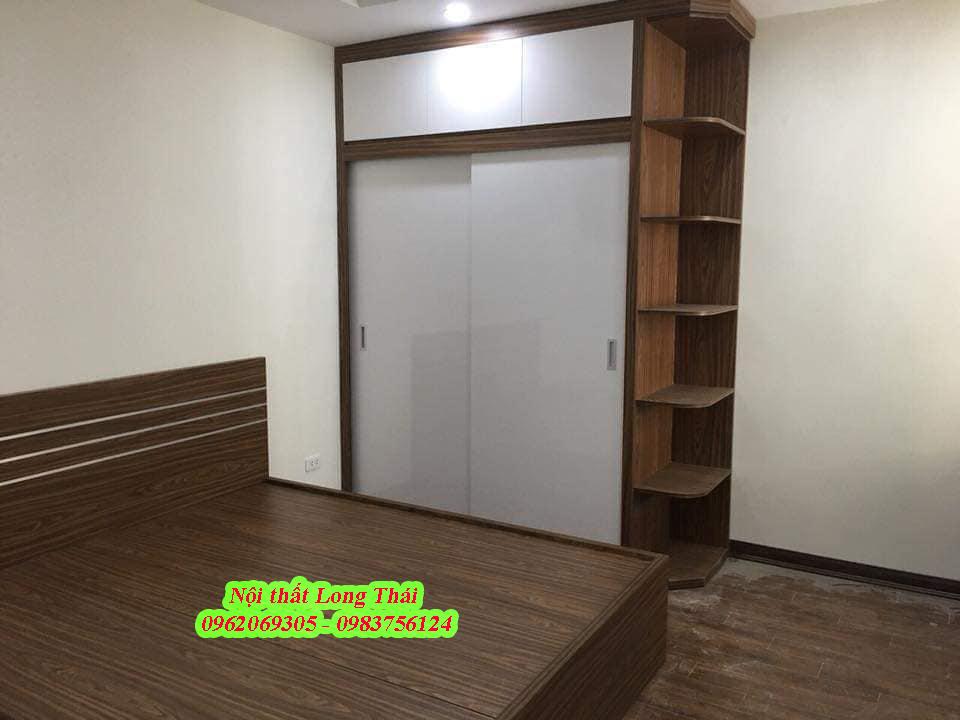 Tủ áo 1.6x2.4m 2 tầng kèm kệ trang trí